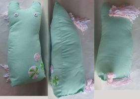 Minty plush by Roogna