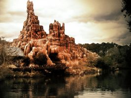 Big Thunder Mountain Railroad by brunomazzini