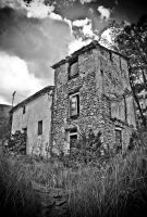 Ruined house by Aloba