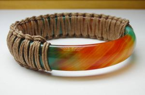 Agate bangle with hemp by nellyvansee