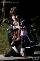 Tonight I shall hold u with my blood stained hands by Hitomi-Cosplay