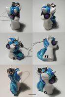 DJ Pon-3 or Vinyl Scratch by ChibiSilverWings