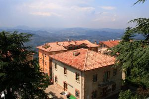 A House in San Marino by iluvia