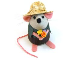 Buddy the Gardener Mouse by The-House-of-Mouse