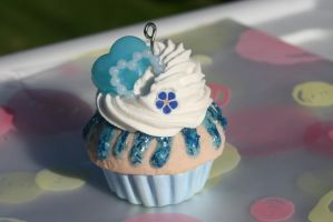 Blue Cupcake Charm by RuusuMorningstar