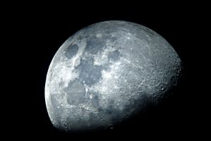 First Quarter Moon 11-4-11 by xDx