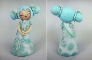Floral Kokeshi 'Icy Princess' by ZanetaGc