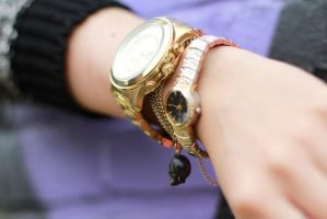 Fashion ladies style gold jewelry watch by ailsalu