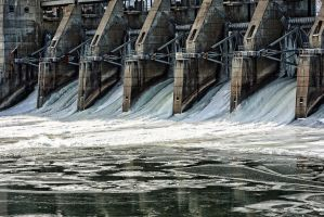 Dam Cold by edwardiant