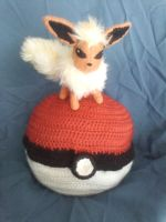 Flareon (Battle Stance) + Pokeball by KittyCowLexa