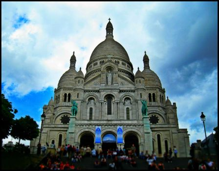 Sacre Coeur Basilica HDR test by havocPigeons