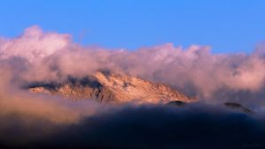 Cloudy Sunrise on Pikes Peak by Erael71