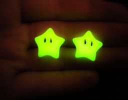 Super Mario Invincibility Stars - Glow in the Dark by MySoulShards