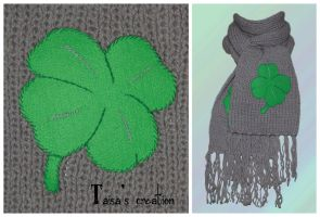 Scarf with four-leaf clover by Taisa-Gila-monster