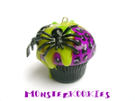 Deathrock Cupcakey-Goodness by monsterkookies