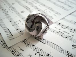 Musical Origami Rose 2 by curiosowulf
