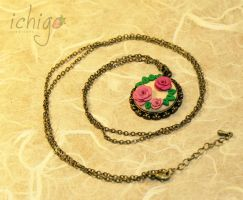 Collana con roselline by ichigocreations