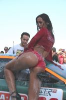 Girl Car Wash 13 by luis75
