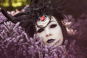 Crown of darkness 1 by Estelle-Photographie
