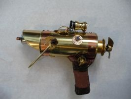 Steampunk Ray Gun by wildebore