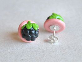Blackberry Studs by Madizzo