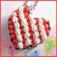 Strawberry - Cream Heart Cake by cherryboop