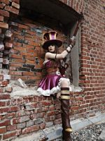 Caitlyn - The Sheriff of Piltover. (LoL) by TineMarieRiis