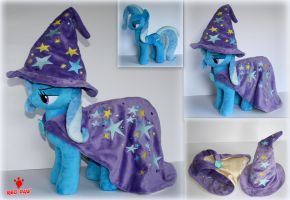 My Little Pony - The Great and Powerful Trixie by Lavim