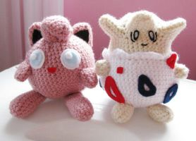Jigglypuff and Togepi Plushies by merigreenleaf