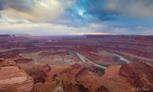 Storm Over Dead Horse Point by invisiblelife
