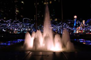 Glowing Fountain by megapixelclub