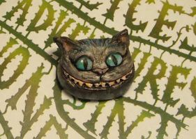 Cheshire Cat Brooch by halismi