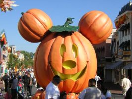 Mickey Jack o' Lantern I by disneyland-stock
