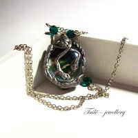 Slytherin pendant by Tuile-jewellery