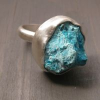 Raw Chrysocolla ring by Jealousydesign