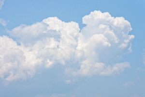 Puffy White Cloud by muffet1