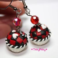 Queen of hearts earrings by tinkypinky