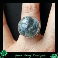 Hollows: raw Saphires by green-envy-designs
