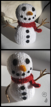 Knitted Snowman by Amif