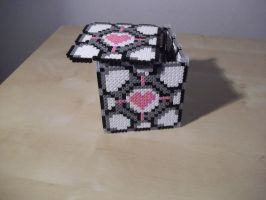 Companion Cube made of fuse beads by capricornc5