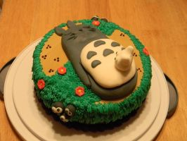 Totoro Cake by Auradell