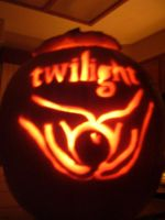 Pumpkin Carving: Twilight by MidnightRosebud