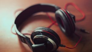 Headphones-earphone-music-sound-ultra-hd-wallpaper by matipatloko