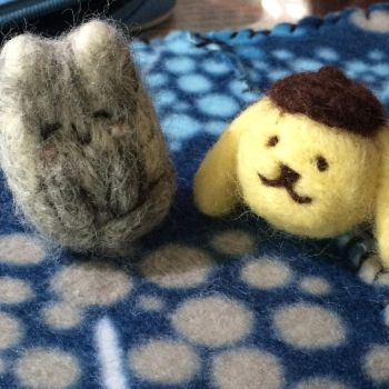 Needle Felting Neko!Russia and PomPomPurin by CreekWhereSnowFalls