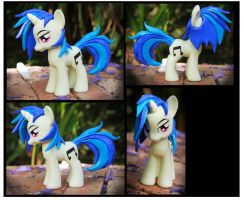 Trade: Vinyl Scratch Fashion Style Custom by Nazegoreng