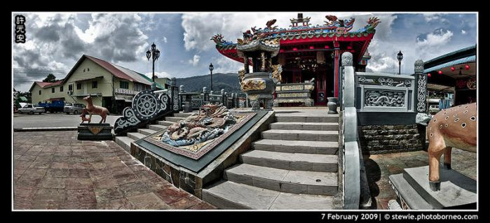 Temple Panorama by limecity