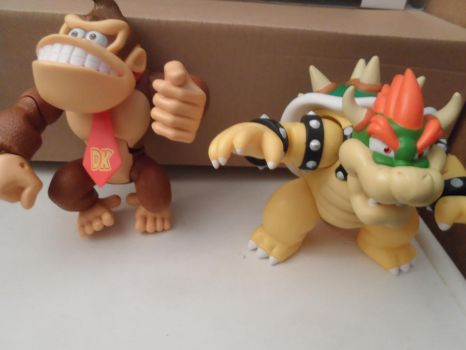 my two big figure of donkeykong and bowser by comicanimefan