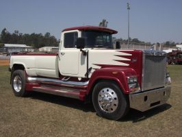 Superliner Pickup by RedtailFox