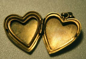 heart-shaped locket by objekt-stock